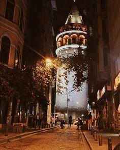 #istanbul #turkey #turkiye #instaturkey #turkishfollowers #cntravellertr #fotozamani #aniyakala #beautifuldestinations #passionpassport #guardiantravelsnaps #instagram #igworldclub #theworldshotz #photooftheday #natgeotravel #city #cityscape #travel #light #streetart #streetphotography by @cglrsrkc