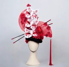 Beautiful red eventails geisha headdress Adorned with masks and flowers ell will sublimate your head and will fit perfectly with your outfit All my items are handmade by my care Made to order Instruções Origami, Drag Wigs, Gothic Hairstyles, Design Textile, Creative Costumes, Floral Headpiece, Fantasy Dress, Head Accessories, Headgear
