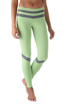 - Wide waistband - Suitable for Running, Yoga, Pilates, Working Out, Dance, cycling and More - Four way stretch - Superior Jaspe - Warm, thick and soft material - Body slimming design