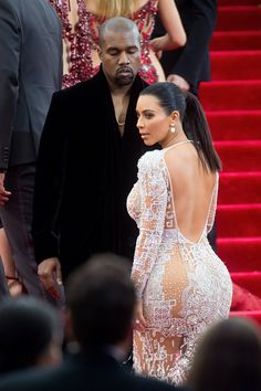 Pin for Later: 28 Times Kanye West Only Had Eyes For Kim Kardashian Kourtney Kardashian, Robert Kardashian, Kardashian Style, Teen Choice Awards, Kanye West And Kim, Kylie Jenner, Actrices Hollywood, Celebs, Celebrities