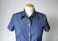 Learn how to sew a shirt collar that looks sharp and stands up well. Our simple step-by-step tutorial makes it accessible for sewers of any level.