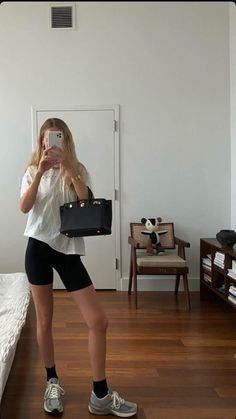 Summer Vibes, How To Look Better, Summer Outfits, Minimalist, Sporty, Cozy, Spring Summer, Street Style, Fashion Clothes