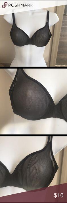 Victoria's Secret Stretchy mesh bra w underwire. In good used condition Victoria's Secret Intimates & Sleepwear Bras