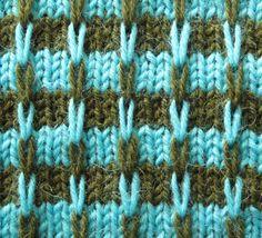 Streep met dubbele afgehaalde steken ziet er ingewikkelder uit dan het te breien is. Je breit steeds maar met één kleur tegelijk!