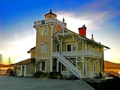 FT Resident Lighthouse Innkeeper/Chef/Skipper Team  East Brother Light Station, Inc., a non-profit corporation, is seeking applicants for Keepers of East Brother Light Station, an island in San Francisco Bay that is the home of an intact 1874 lighthouse and fog signal.   After two years of extraordinary service, ...