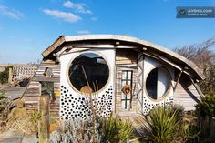 The Owl House Micro Cabin: Funky Simple Living or Hip Vacation Rental? I just love this tiny house. The interior is amazing. Crazy Houses, Tiny Houses, Weird Houses, Unusual Houses, Backyard Cabin, Airbnb Rentals, Cabins And Cottages, Owl House, Simple Living