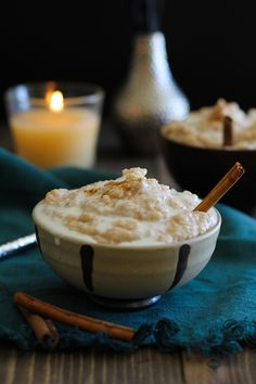 Crock pot rice pudding recipe made dairy-free and refined sugar-free. This easy slow cooker rice pudding uses minimal ingredients and is thick and creamy! Crock Pot Recipes, Crockpot Dessert Recipes, Crock Pot Desserts, Healthy Crockpot Recipes, Healthy Dessert Recipes, Fall Recipes, Slow Cooker Recipes, Casserole Recipes, Smoothie Recipes