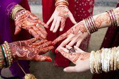 http://motherofthebride.com.br/2012/05/marina-favato-casamento-indiano.html