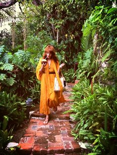 Flo in Jamaica, March Wearing BCBG Max Azria One of my favorite photos of Florence Welch Sara Bareilles, Pentatonix, Bohemian Style, Boho Chic, Boho Hippie, Florence Welch Style, Florence The Machines, Boho Life, Mellow Yellow