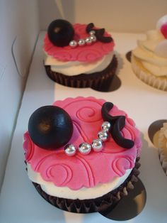.D... I... V... O... R... C... E...  cupcakes by Angelina Cupcake, via Flickr