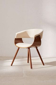Mid-century modern chair in a simple design we love.✨Solid wood frame with upholstered cushions on the back. Curved design that's perfect as a desk or table chair. Modern Desk Chair, Cute Desk Chair, Diy Chair, Modern Chairs, Modern Furniture, Furniture Design, Modern Armchair, Furniture Removal, Custom Furniture