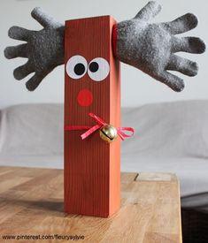 Renne avec un carrelet de bois et les gants trop petits des enfants. #bricolage #noel www.toutpetitrien.ch/bricos/ - fleurysylvie
