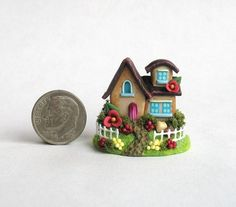Miniature CUTE FAIRY COTTAGE HOUSE