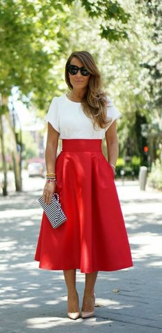 Midi skirts cute outfits to wear with midi skirts clothes Midi Skirt Outfit clothes cute Midi Outfits Skirts Wear Midi Rock Outfit, Midi Skirt Outfit, Midi Skirts, Red Skirt Outfits, Midi Flare Dress, Rock Outfits, Flared Skirt, Modest Outfits, Skater Skirt