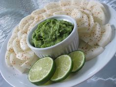 Easy guacamole with chile lime jicama chips from Veggie Quest. #vegan