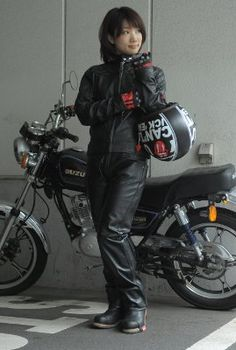 baico バイコ レディース バイク用品 レーサー ライダー バイカー METS'Z レザーパンツ ブーツカット MLP-002 /女性用/バイク/レディース/ライダース/レザー/パンツ/牛革/本革/黒/ブーツカット sexy Japanese motorcycle girl wearing gloves