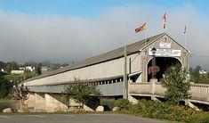 The longest covered bridge in the world feet), St. John River, Saint John River, Hartland, New Brunswick. Canada Cruise, Canada Travel, Travel Usa, Beautiful Places To Visit, Places To See, New Brunswick, Old Bridges, Southern Caribbean, Woods