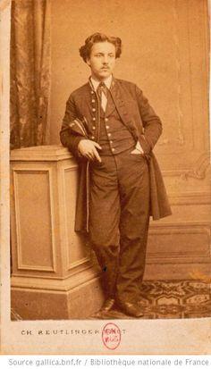 Gabriel Fauré 1845- 1924 en uniforme de l'Ecole Niedermeyer / Ch. Reutlinger