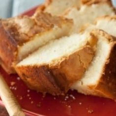 Paula Deen Southwest Georgia Pound Cake: this is the BOMB! The best pound cake I have ever baked. 13 Desserts, Holiday Desserts, Delicious Desserts, Dessert Recipes, Yummy Food, Dessert Bread, Plated Desserts, Holiday Recipes, Pound Cake Paula Deen
