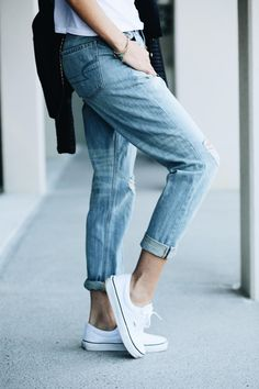 The Vintage Hi-Rise Jean is having a major moment. @howdoyouwearthat is showing you how to style the laid-back denim on blog.ae.com.