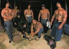 Samoan, So. Hip Hop Rap, Hip Hop And R&b, Lowrider, Fresno Bulldogs, Samoan Men, Old School Pictures, Muscle Bear Men, Polynesian Men, Estilo Cholo