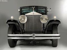 A Brewster_Rolls-Royce_Phantom_II_Special_TownCar_218AMS_1933