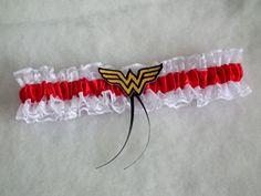 Wonder Women eskücői legényfogó, combcsipke