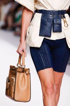 Модные тренды в одежде 2019 года Fashion Brands b06e01f4ecd