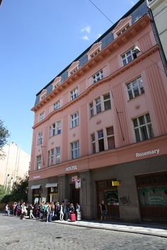 hostel is just few minutes from main train station (Praha hl.n)