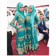 Adore this shade of turquoise💙 Makes the bridesmaids stand out in elegantly😍😍😍😍 Pic From: @nv.fisx #desibridesmaids101 #bridesmaids #desi #Asianwedding #Asian #wedding #bengali #bengaliwedding #fashion #dupatta #hijab #muslim #muslimwedding #modestfashion #ootd #gown #asianattire #traditional #stonework #indian #indianwedding #embellishment #weddinginspiration #turquoise #weddinghype #twinning #walima #inspiration #squad #sisters
