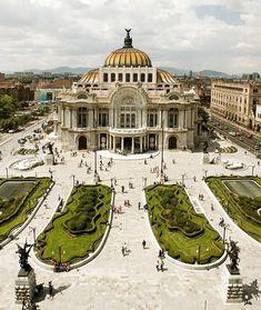 Mexico City's Palacio de Bellas Artes