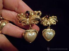 Pendientes con pendentif chapados en oro ideal aderezo indumentaria regional. Cataluña