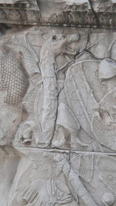 DACII – Îmbrăcămintea, armele şi stindardul dacilor | Istorie si Numismatica