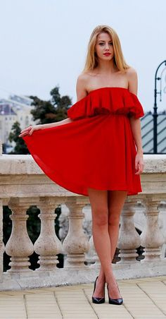 Endless Off-Shoulder Frilling Dress in Red