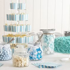 inspiration til drengedåb med den lækreste candybar Baptism Party Decorations, Baby Boy Christening, Boy Baptism Party, Baptism Favors, Baptism Ideas, Baby Shower Souvenirs, Picnic Theme, Niklas, Baby Boy Birthday