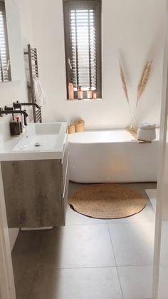 Bathroom Design Luxury, Bathroom Layout, Modern Bathroom Design, Home Interior Design, Bathroom Ideas, Modern Interior, Modern Luxury Bathroom, Bathtub Ideas, Budget Bathroom