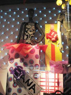 best-window-displays_desigual_2012_holiday_04