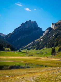 Schöne Wanderung zum Gräppelensee im Toggenburg Golf Courses, Mountains, Landscape, Nature, Travel, Places, Europe, Road Trip Destinations, Alps