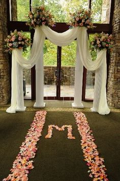 Discover thousands of images about Show me your wedding arch, chuppah, ceremony backdrop &inspirations! Wedding Columns, Wedding Ceremony Backdrop, Outdoor Ceremony, Wedding Backdrops, Wedding Ceremonies, Wedding Props, Wedding Venues, Church Wedding Decorations, Wedding Centerpieces