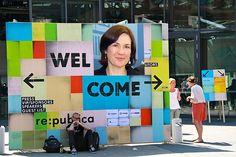 """Transparency in Europe:  Ein Thema, das auf der re:publica 2012 im Hintergrund zu bleiben schien, war Transparenz in der Politik, Verwaltung und in demokratischen Prozessen. Dennoch gab es Sessions, die für Schritte nach vorn warben. Einen Vortrag hielt die Britin Helen Darbishire von """"Access Info"""", die ihr neuestes Projekt AsktheEU.org vorstellte. #rp12"""