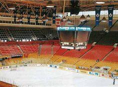 A look inside the old, historic, Maple Leafs Gardens Ice Hockey Teams, Hockey Stuff, Air Canada Centre, National Hockey League, Toronto Maple Leafs, Toronto Canada, Nhl, Ontario, Hockey Highlights