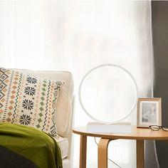 Technológia LED integrovaná v našichstolových svietidlách je jedinečne vyvinutým riešením Night Table Lamps, Light Table, Nightstand Lamp, Table Lamps For Bedroom, Led Night Light, Modern Materials, Retro, Home Decor, Decoration Home