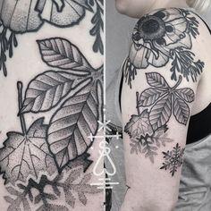 """Sarah's nature themed sleeve - second piece. Thank you! (Shoulder poppy already healed) #leaf #poppy #snowflake #dotwork #blackwork #tattoo #herzdame…"""