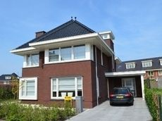 jaren 30 erker - Google zoeken Dutch Netherlands, Future House, Mansions, House Styles, Villa, Outdoor Decor, Inspiration, Holland, Modern