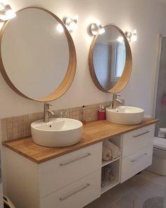 ikea bathroom ein elterliches Bad nehmen # am . Bathroom Red, Ikea Bathroom, Bathroom Furniture, Bathroom Interior, Bathroom Vintage, Vintage Mirrors, Downstairs Bathroom, Ikea Mirror, Minimalist Bathroom