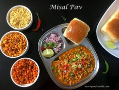 Chatpata misal pav is a spicy, tangy and lip-smacking Indian curry/street food – bean sprouts are cooked in a spicy gravy, topped with crispy fried savory chiwda or mixture and served with pav/slider buns. Spicy Gravy, Chicken Karahi, Pav Bhaji Masala, Beans Curry, Slider Buns, Mung Bean, Bean Sprouts, Indian Curry, Chaat