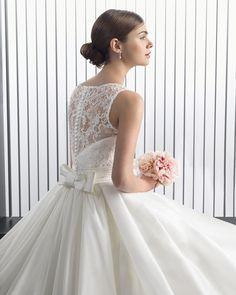 Rhiana novia tejido guipur pedrería y gazar