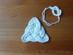 triquetra knot by irishlacenet, free crochet pattern...Pretty cool looking knot!! ༺✿ƬⱤღ  http://www.pinterest.com/teretegui/✿༻