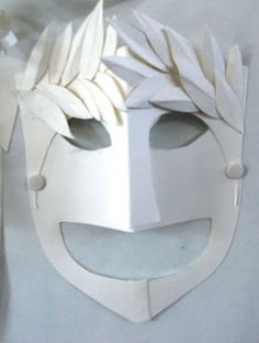 Greek comedy and tragedy masks using simple white card - great idea for English class / plays Greek Crafts, Cultures Du Monde, Tragedy Mask, Drama Masks, Greece Art, Greek Tragedy, Ancient Greek Art, Roman Art, Thinking Day