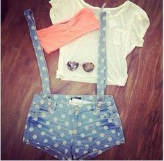 love it,summer outfits,polka jeans shorts,white top,glasses